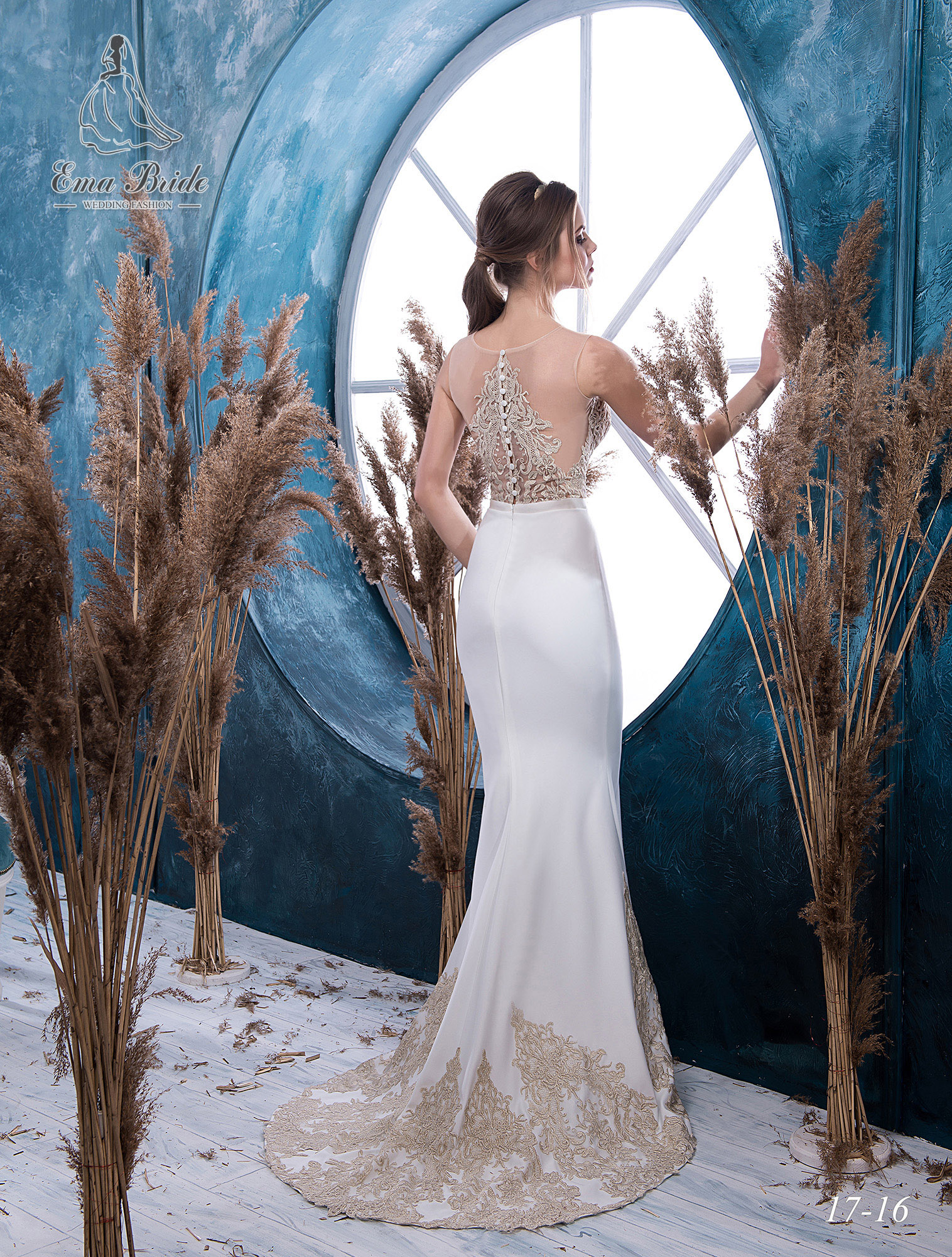 Bustier wedding dress with gold embroidery-2
