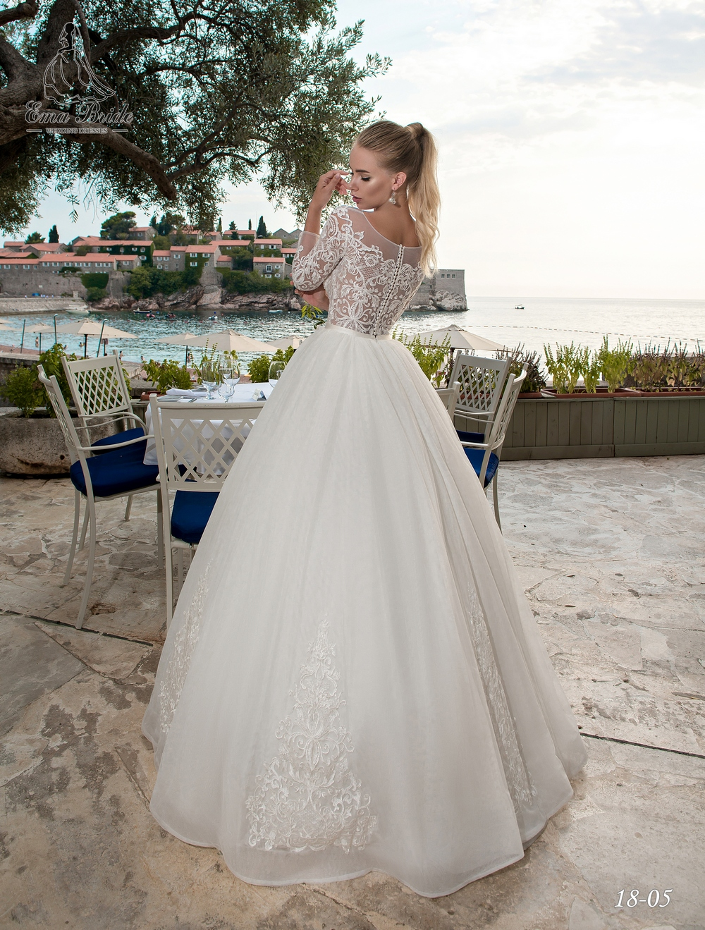 Lush wedding dress with long sleeves-2