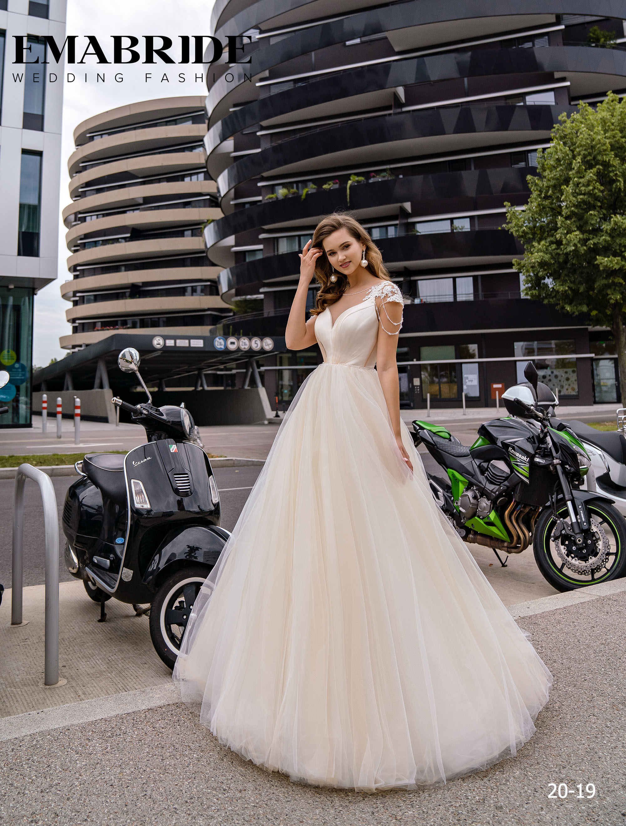 Model 20-19 | Buy wedding dresses wholesale by the ukrainian manufacturer Emabride