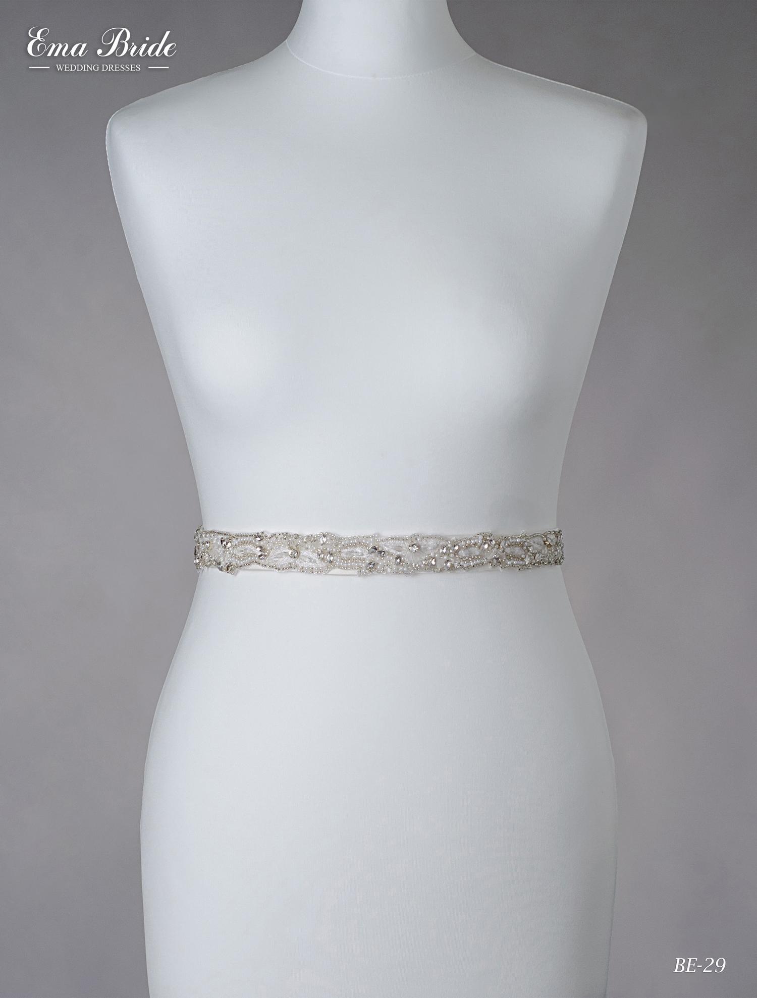 A belt for a wedding dress Be-29