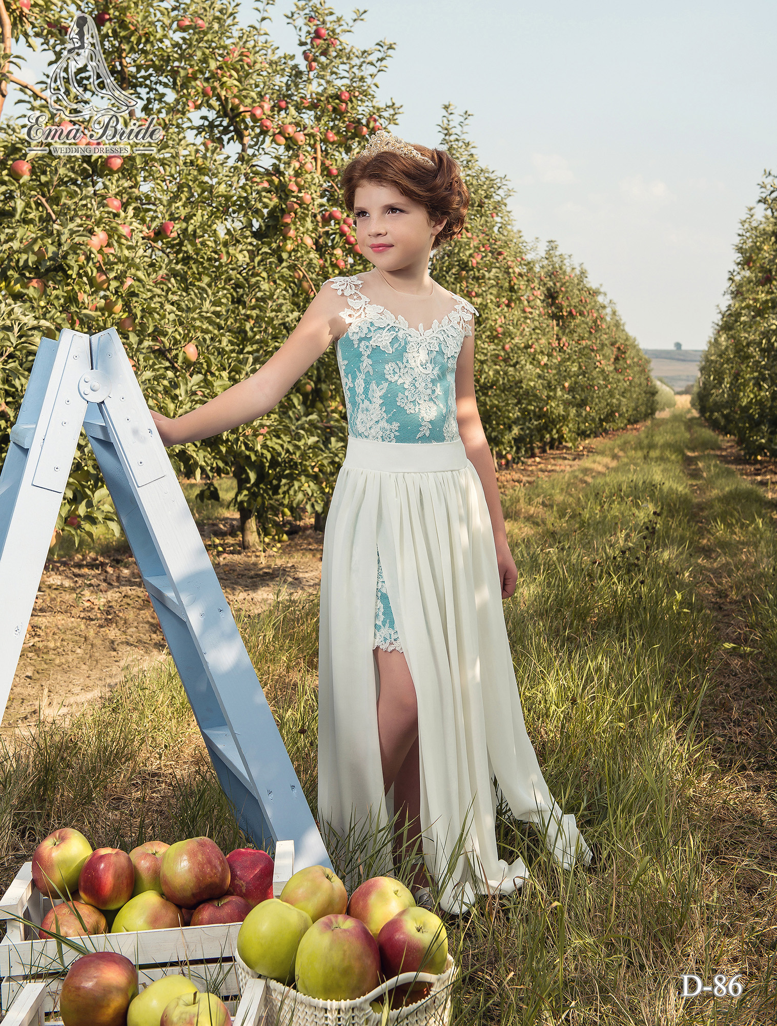 Children's dress with a long removable skirt with a slit