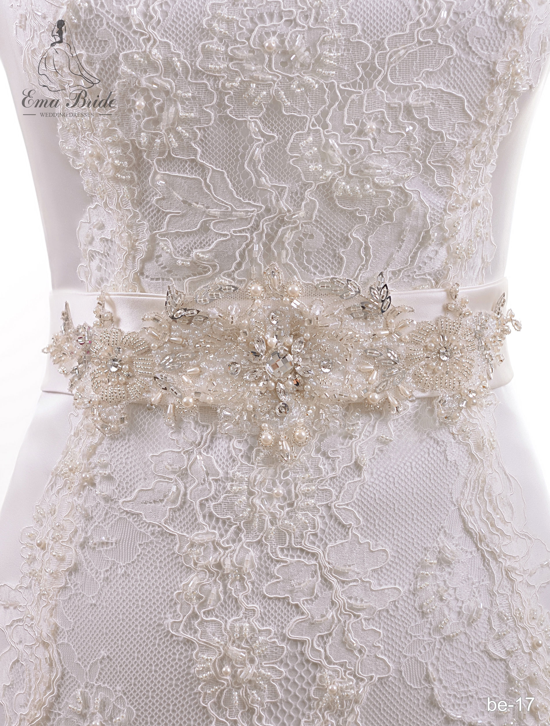A belt for a wedding dress Be-17