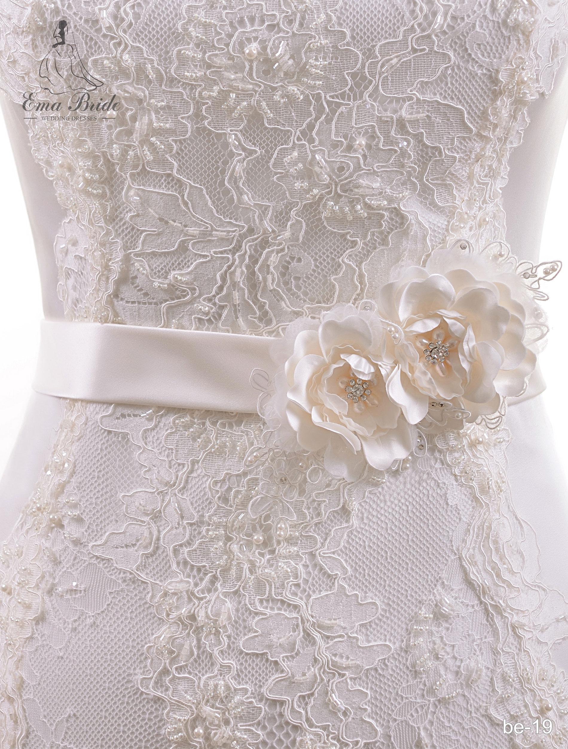 A belt for a wedding dress Be-19